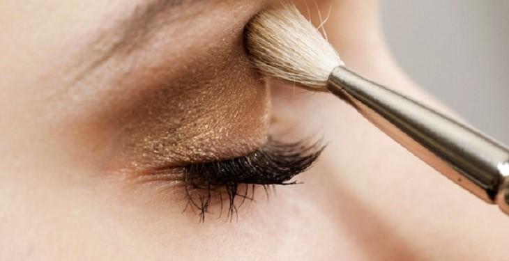 8 راهکار مهم برای بالا بردن ماندگاری آرایش چشم