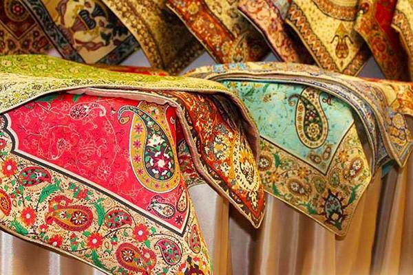راهنمای خرید رومیزی در اصفهان