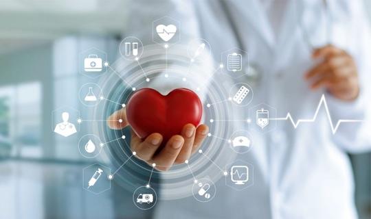 هنگام برخورد در برابر کسی که دچار حمله قلبی شده چه واکنشی باید نشان دهیم؟