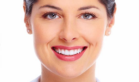 آیا بلیچینگ روش مناسبی برای سفید کردن دندان ها است؟