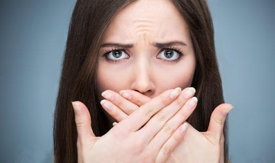 آیا بوی بد دهان می تواند نشانه بیماری خاصی باشد؟
