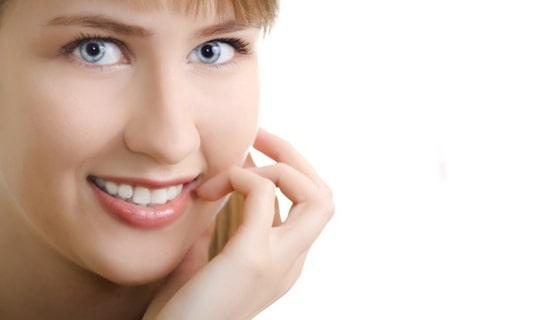 برای رفع نامنظم بودن دندان ها، کامپوزیت مناسب است یا ارتودنسی؟