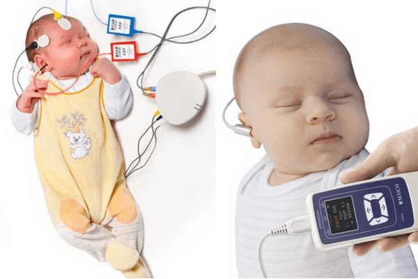 تشخیص به موقع کم شنوایی بعد از تولد و سمعک مناسب کودک