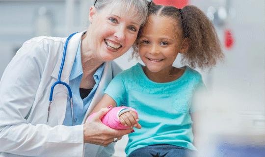 خدمات بخش ارتوپدی درمانگاه شبانه روزی کودکان پگاه
