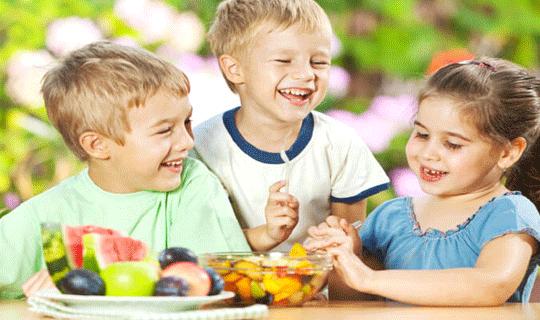 تغذیه مناسب برای دوران نوجوانی