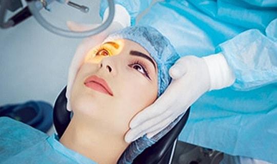 نقش اوکولوپلاستیک در انواع جراحی زیبایی چشم