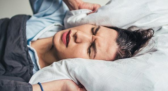 اختلالات خواب پاراسومنیا