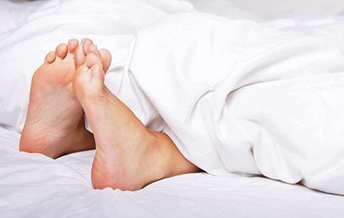 اسپاسم یا پرش مکرر پاها درخواب